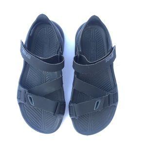 Tera boys black sandals